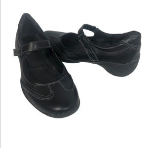 Ecco 6 Mary Jane Black Leather Shoes